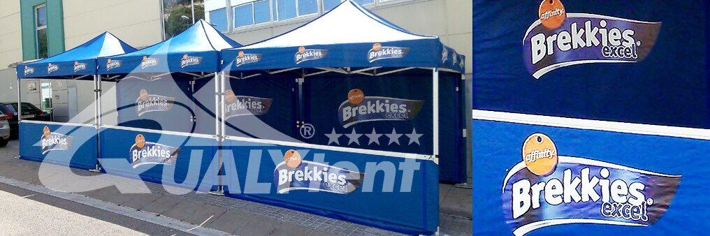 Tendas dobráveis com estampa completa, tendas com a etiqueta Affinity Brekkies