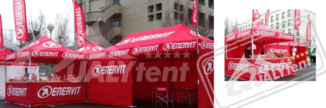 Tendas dobráveis vermelhas rotuladas Enervit de Qualytent