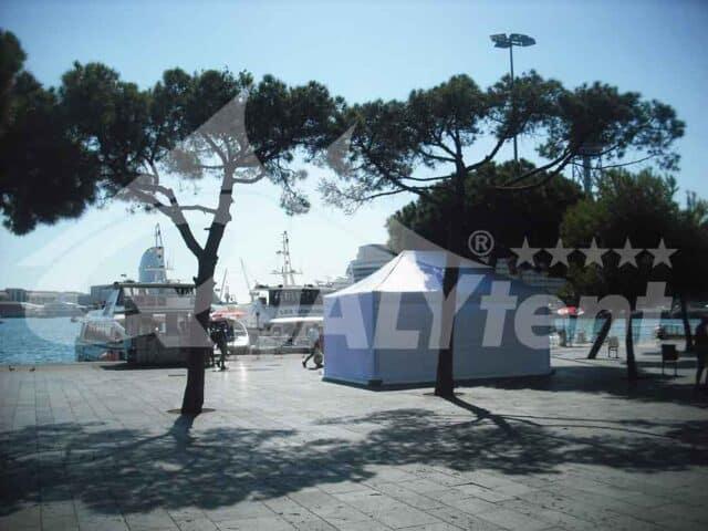 As nossas tendas dobráveis Premium de 6x4m QT S-45 de cor branca