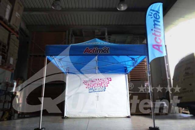 Tenda dobrável 3x3m rotulada Actimel com bandeira