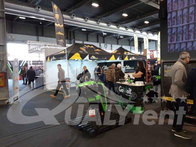 Expositores de tendas personalizadas no Motor Bike